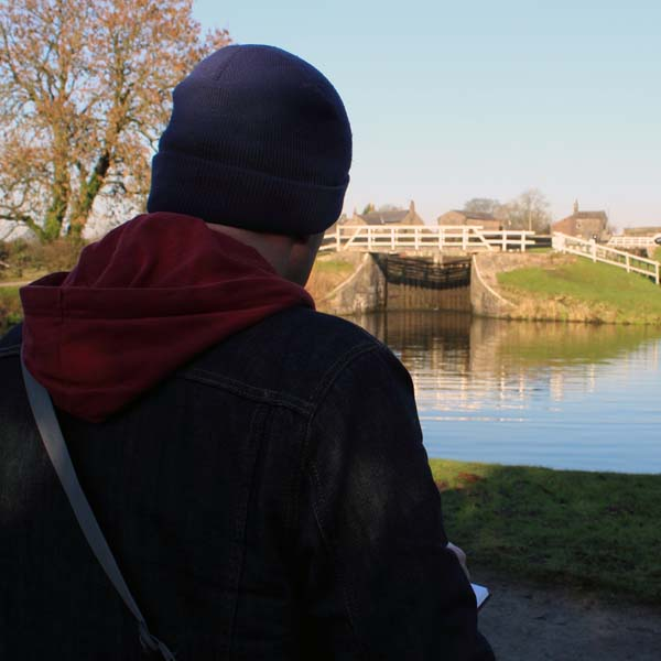 Urban sketching Leeds and Liverpool canal